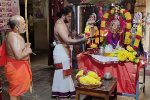 Srirangam Andavan swamigal given traditional welcome in Mylapore; he will be here for 15 days